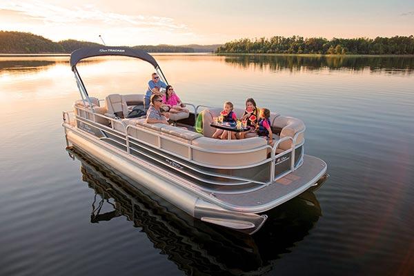 bateau privatisé coucher de soleil